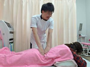 札幌市西区琴似 てて整骨院二十四軒店の手技治療